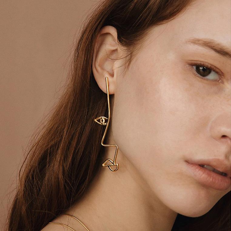 Mismatch Linear Face Earrings