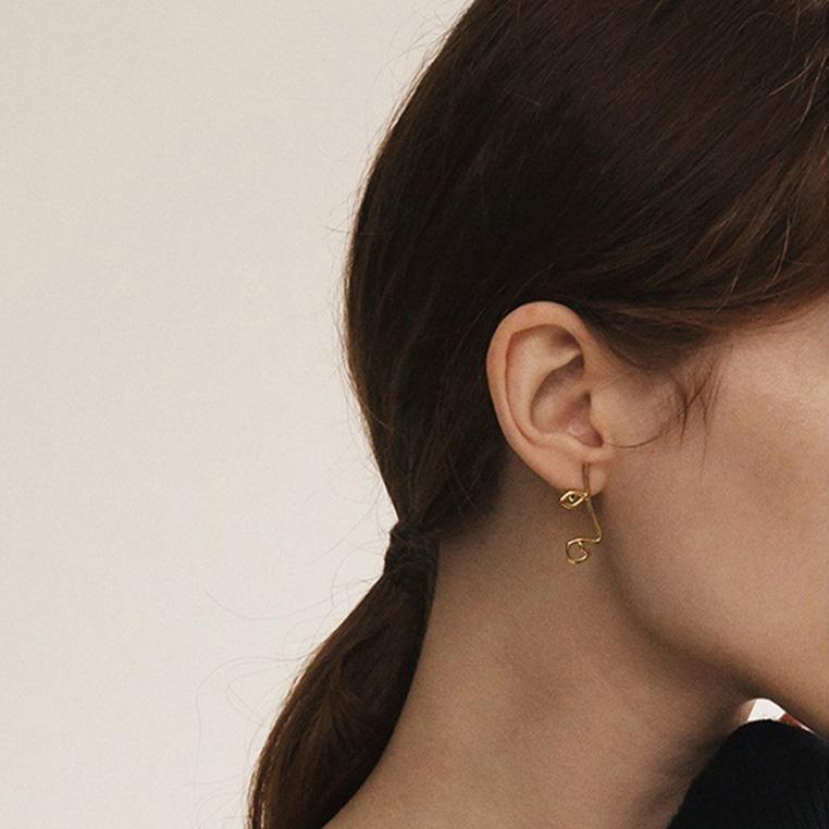 Dainty Linear Face Earrings