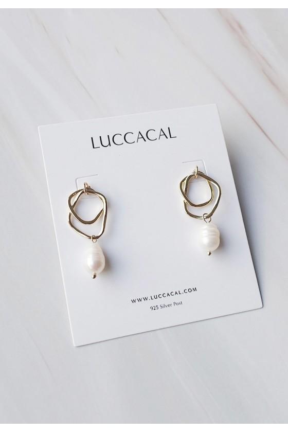 Solari Freshwater Pearl Earrings