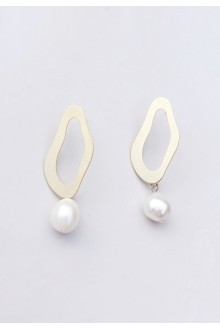Natelia Freshwater Pearl Earrings