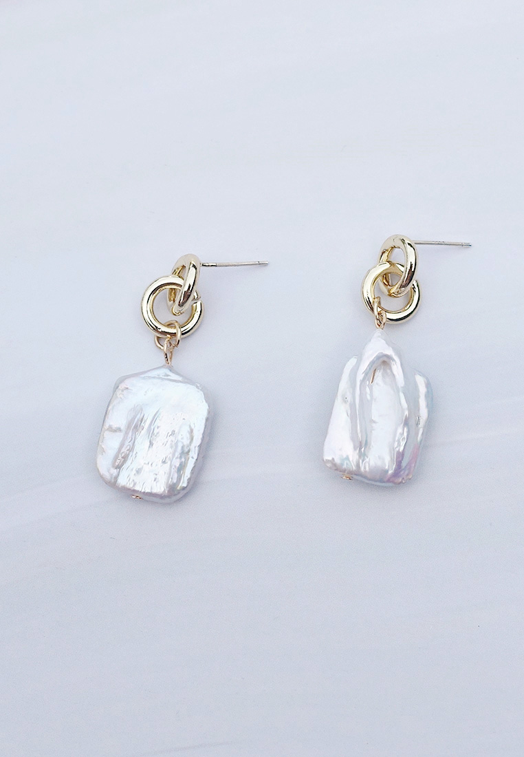 Lunette Keshi Pearl Earrings