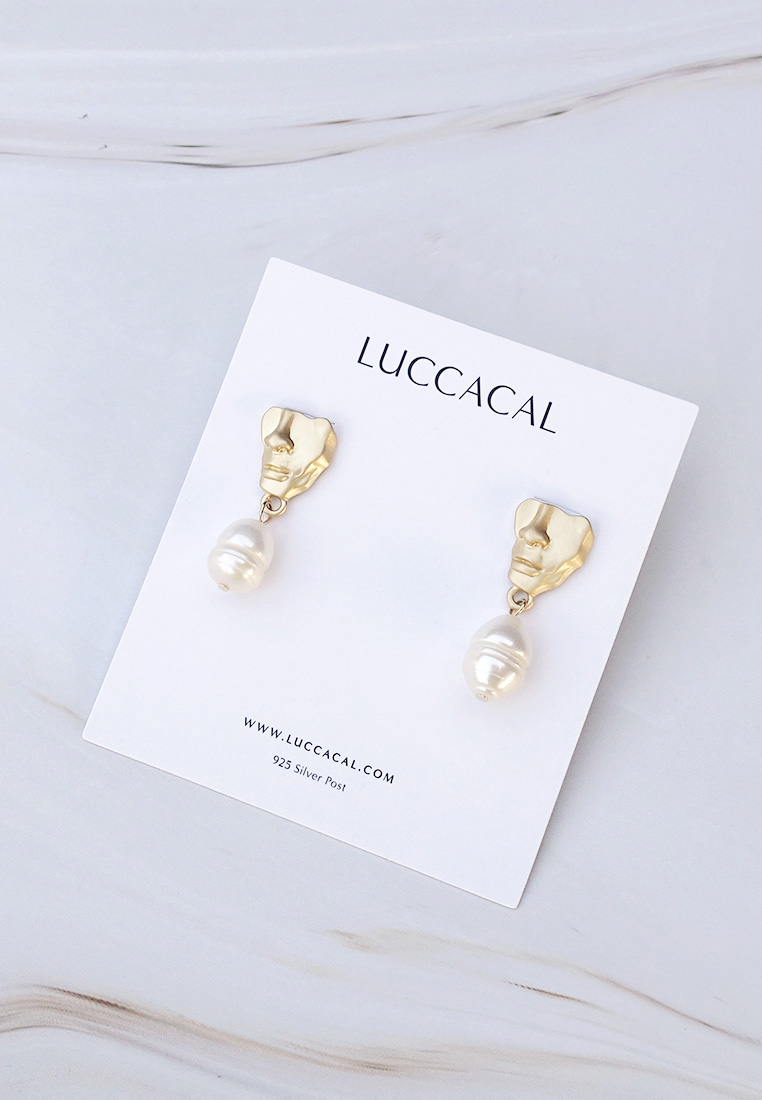 Portra Pearl Drop Earrings