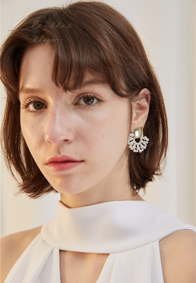 Copella Pearl Earrings