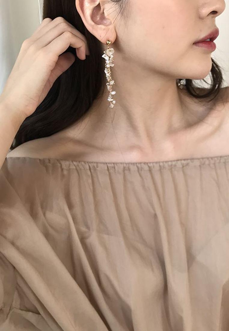 Lacey Pearl Earrings
