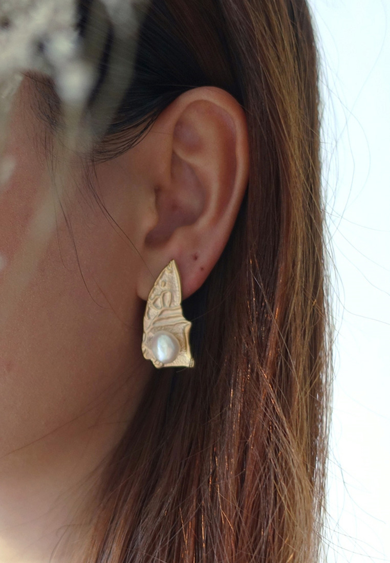 Pearl Catcher Earrings