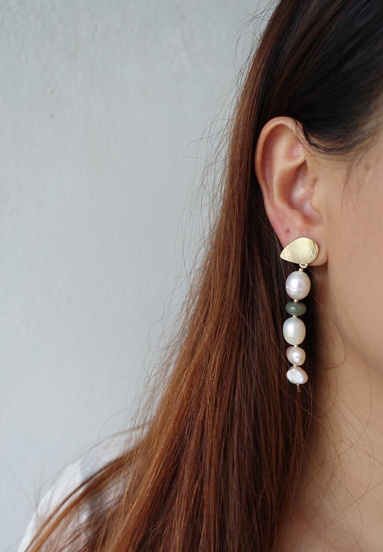 Maisarah Pearl Earrings
