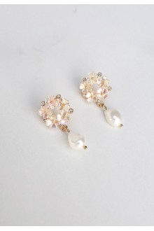 Hanis Flower Pearl Earrings