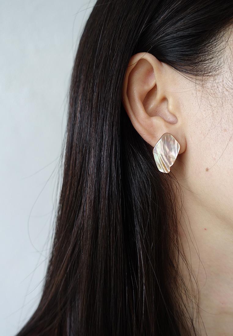 Lena Shell Stud Earrings