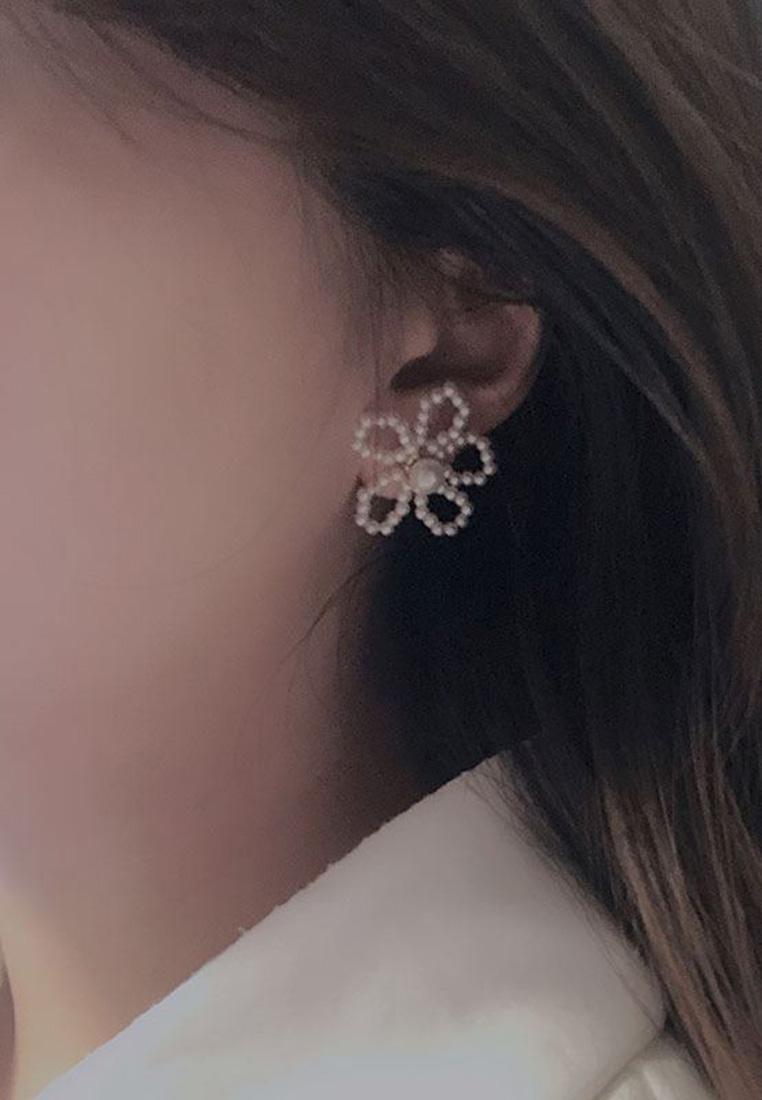 Miriam Pearl Earrings