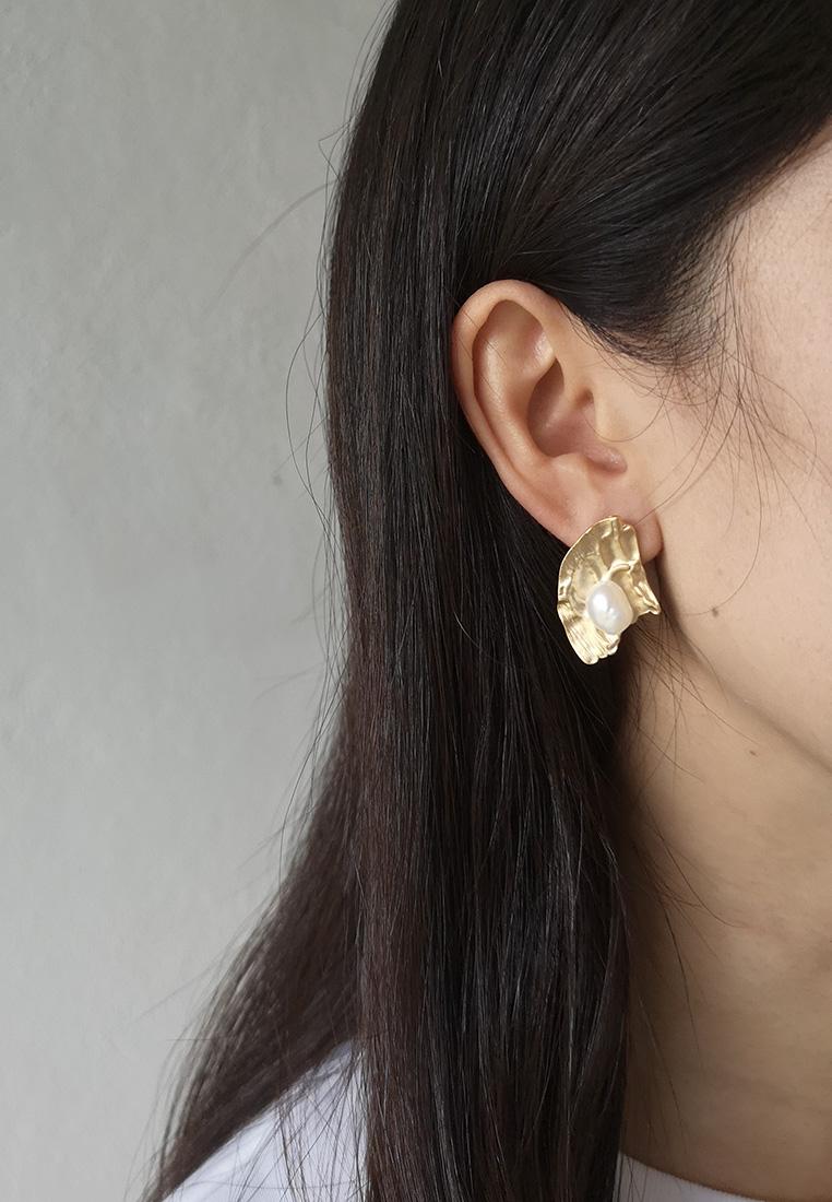 Pearl Catcher Earrings