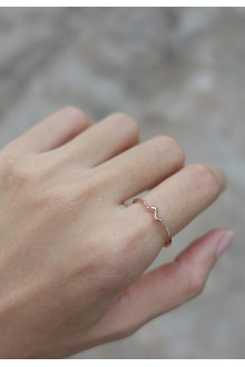 Surin Wave Ring