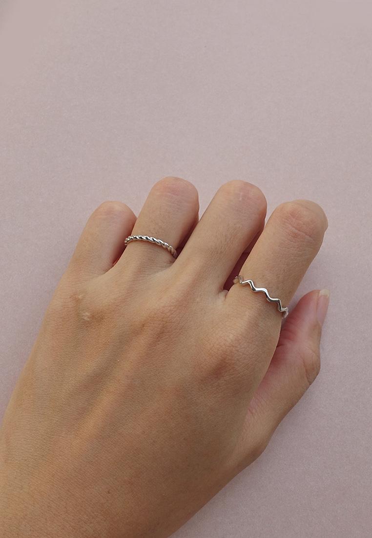 Twist & Wave Ring  (Adjustable)