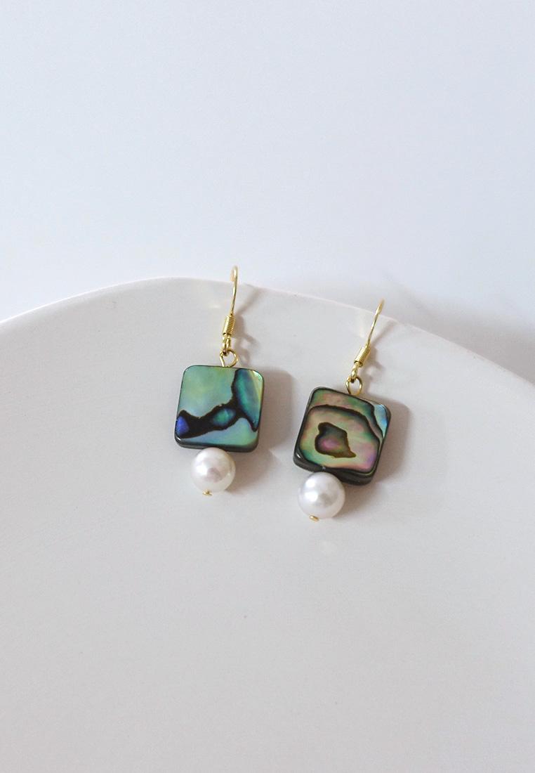 Julie Pearl Earrings
