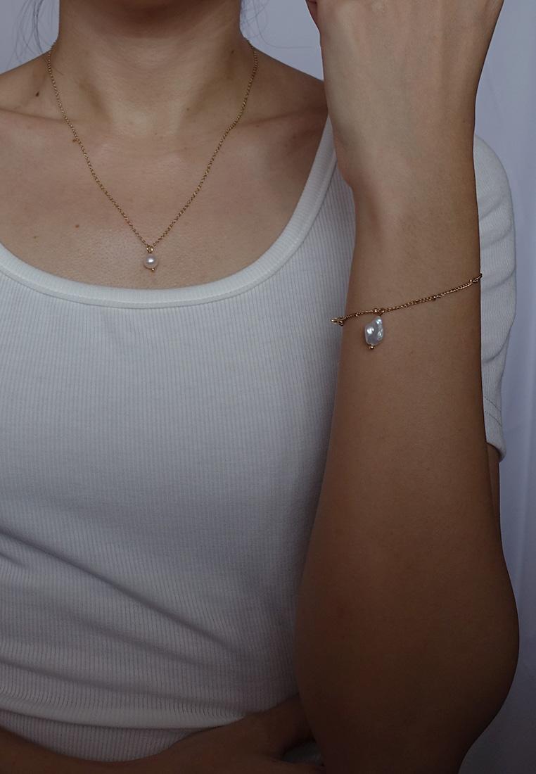 Kellyann Pearl Bracelet