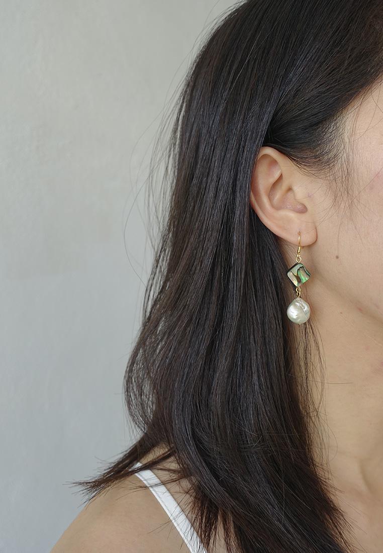 Juliette Pearl Earrings
