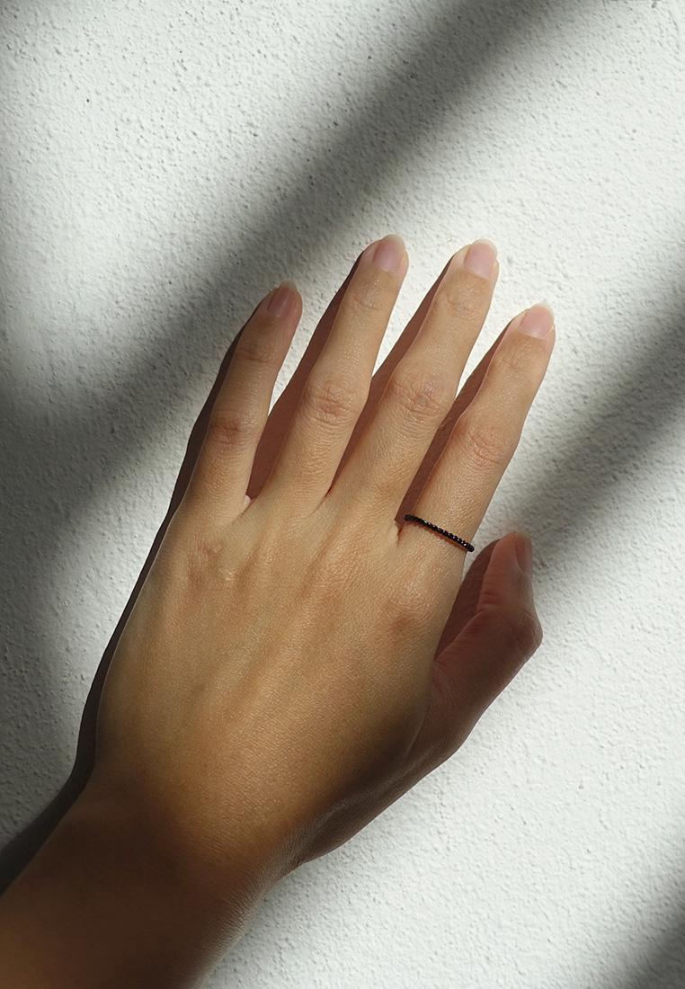 Black Twist Ring