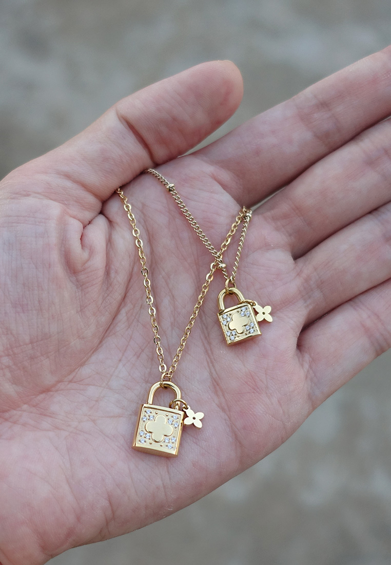 Clover Lock Necklace