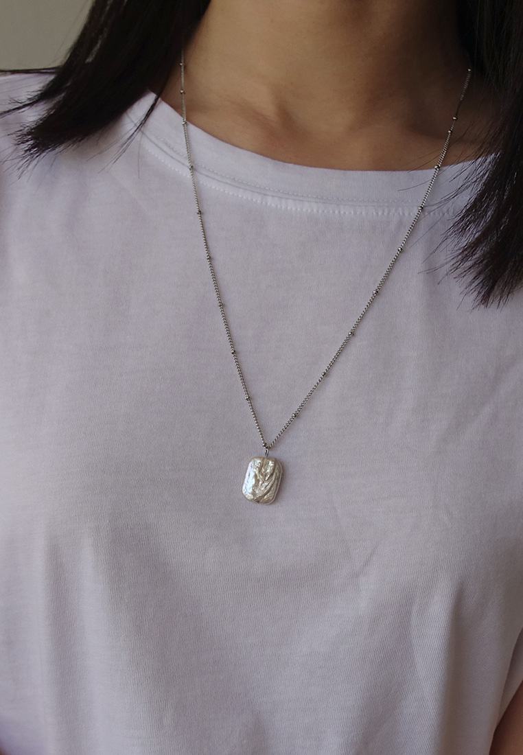 Moana Pearl Necklace